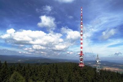 Vysílač a elektromagnetické záření.