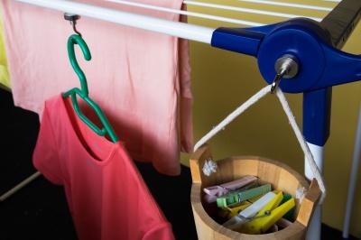 Neodymové magnetické háčky na věšení prádla.