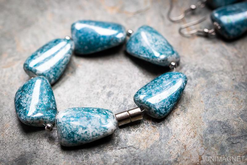 Magnetické zapínání šperků.