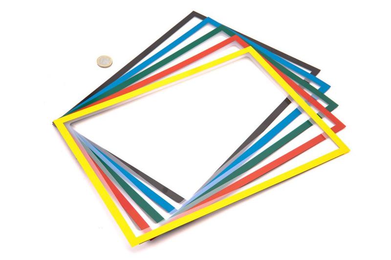 Barevné magnetické kapsy s výřezem pro možnost zapisování na papír formátu A4.